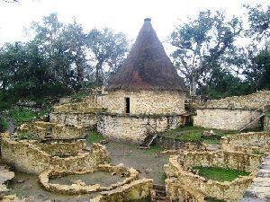 Los Chachapoyas y Kuélap Misterioso