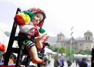 Santuranticuy: Feria Artesanal Navide