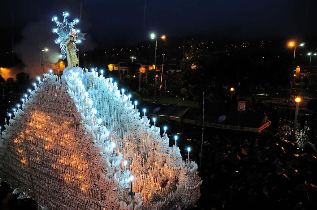 Procesión de la Aurora o del Cristo Resucitado, Semana Santa en Ayacucho