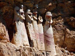 Sarcófagos de Karajia / Chipurick